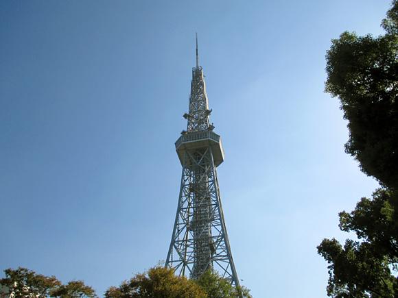 SOCIAL TOWER MARKET 2014