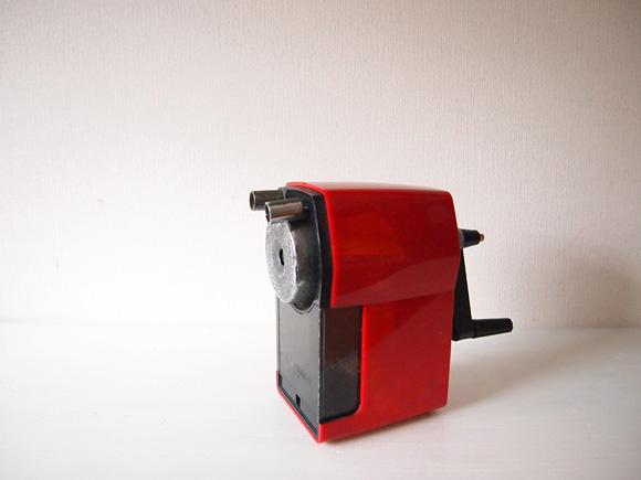 赤い鉛筆削り
