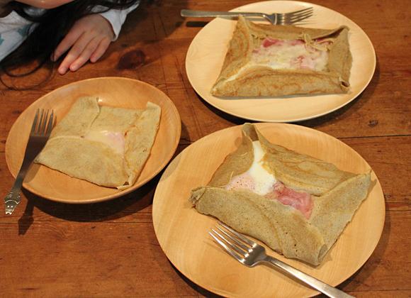 そば粉ガレット朝食