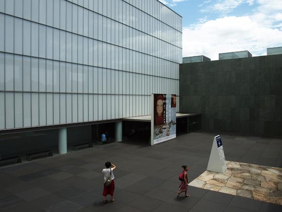 nara_yoshitomo005.jpg